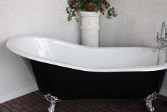 Чугунная ванна: преимущества и правила выбора