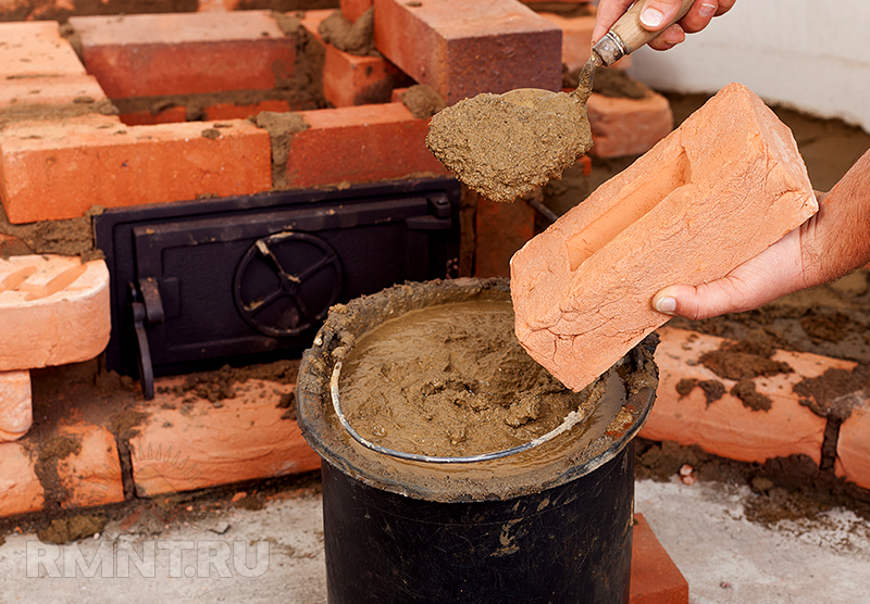 Видео сделать кирпич из глины своими руками видео