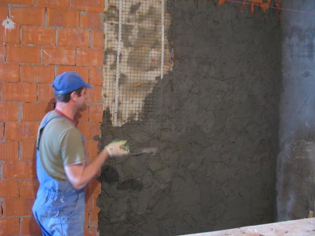 Штукатурка стен из кирпича своими руками видео