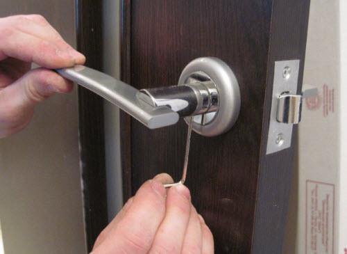 Установка ручки межкомнатных дверей своими руками - Vingtsunspb.ru