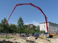 Как в строительстве используется бетононасос: достоинства и назначение