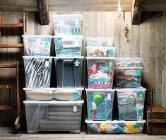 Контейнеры для хранения вещей: разновидности и особенности