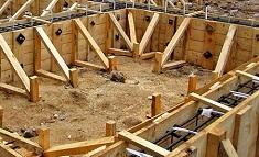Особенности конструкции деревянной опалубки: преимущества и виды
