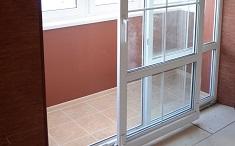 Преимущества раздвижных балконных дверей: характеристики и конструкция
