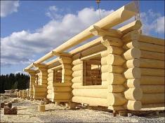Преимущества и особенности строительства дома из сруба