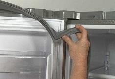 Как самостоятельно заменить на холодильнике уплотнитель, методы крепления