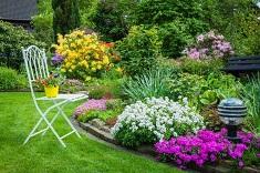 Как обустроить цветник на даче: варианты, характеристики и последовательность работ